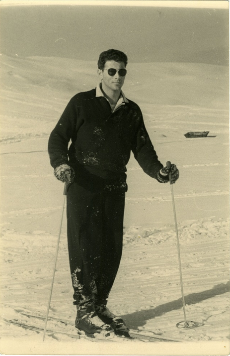 Seweryn Aszkenazy with skiis, 1955