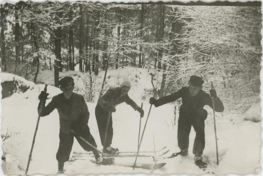 Skiing trip, 30s