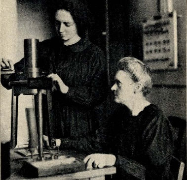 Maria przy pracy z córką Ireną