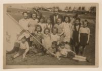 Uczniowie szkoły żydowskiej UNRRA - Foto Fruchtenbaum