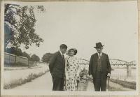 Portret rodziny nad brzegiem Wisły w Toruniu